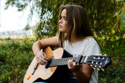 girl, beauty, alone, guitar, music, musician, string, tree, green, grass, nature, singing, people
