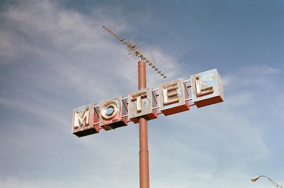 motel, sign, pole, sky, vintage, rust, sky
