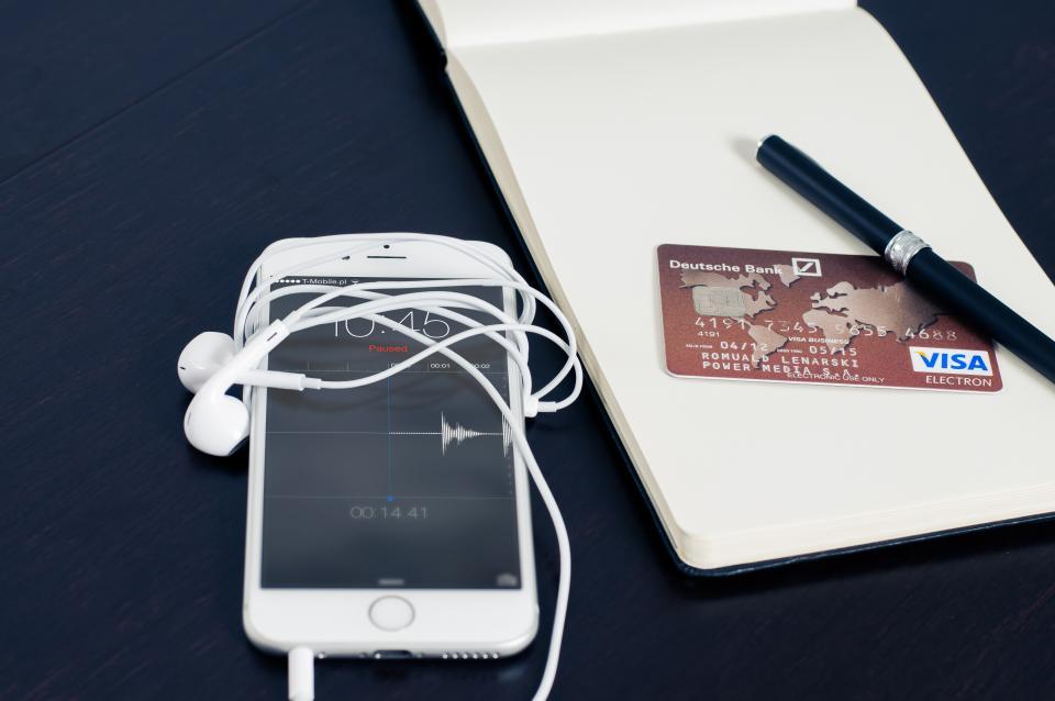 iphone, mobile, smartphone, technology, headphones, earbuds, recording, audio, voice, business, visa, money, finance, credit card, pen, notepad, travel