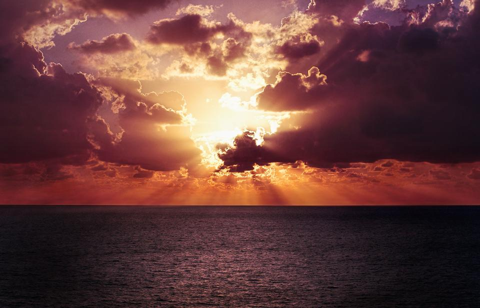 sunset, dusk, sunbeams, sun rays, clouds, cloudy, horizon, ocean, sea, water