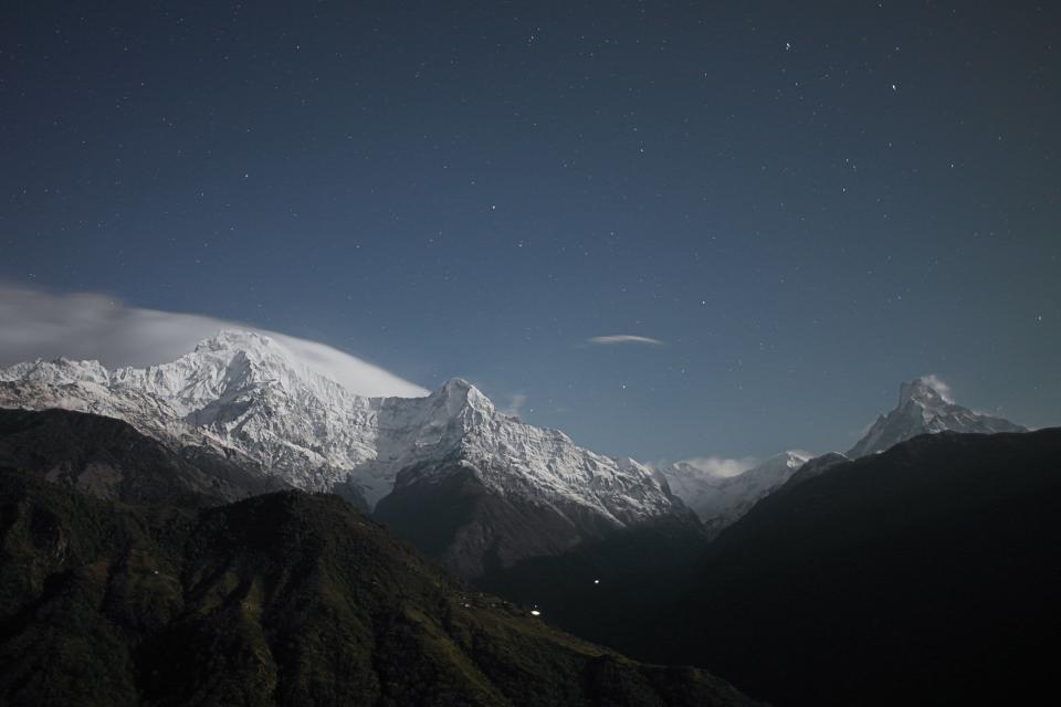 sky, stars, mountains, peaks, cliffs, snow, shadow, hills