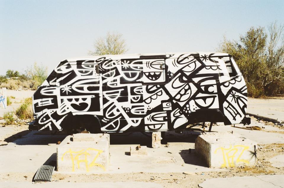 van, paint job, graffiti, sand