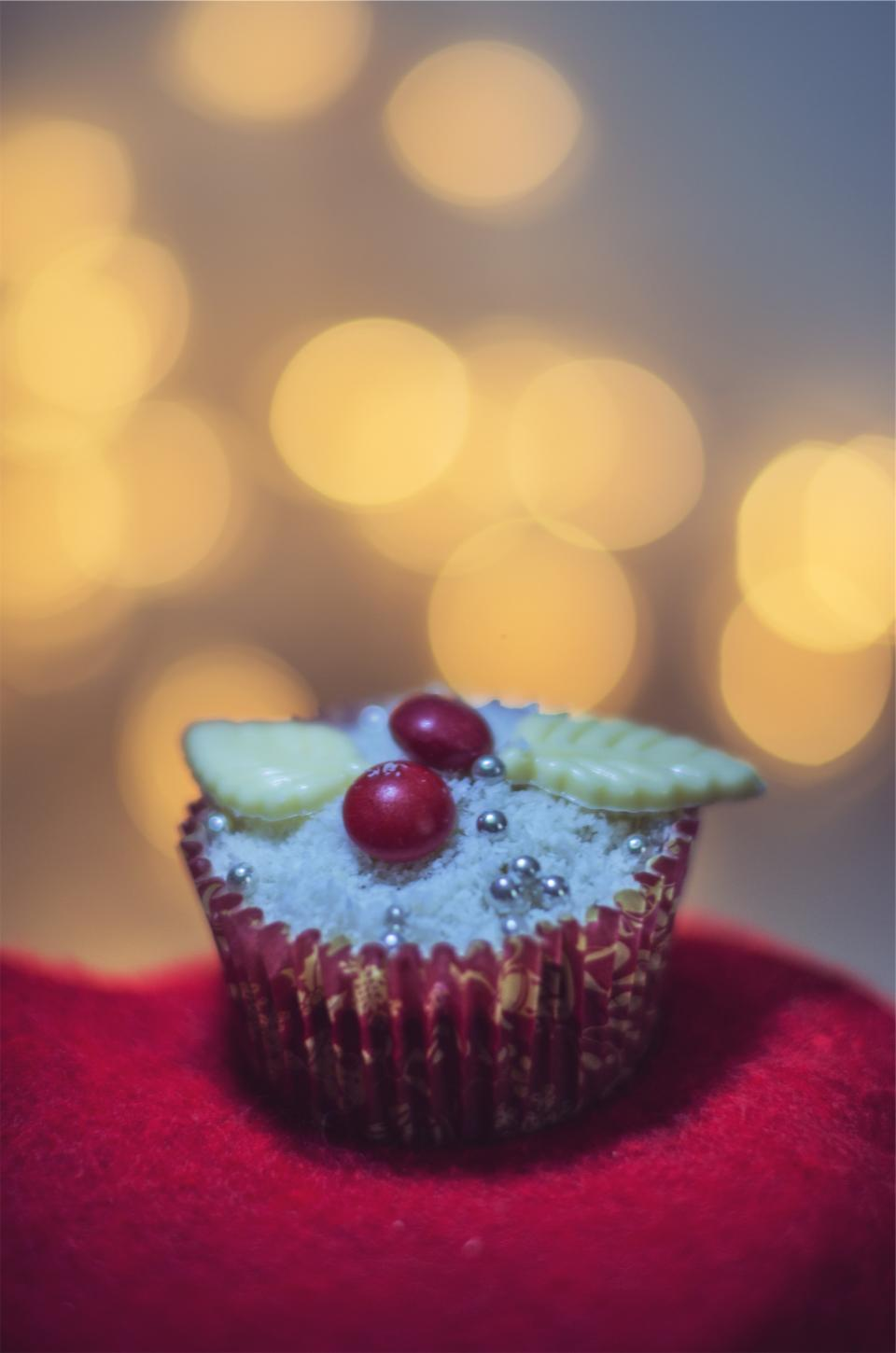 cupcake, dessert, icing, sweets, treats, festive, christmas