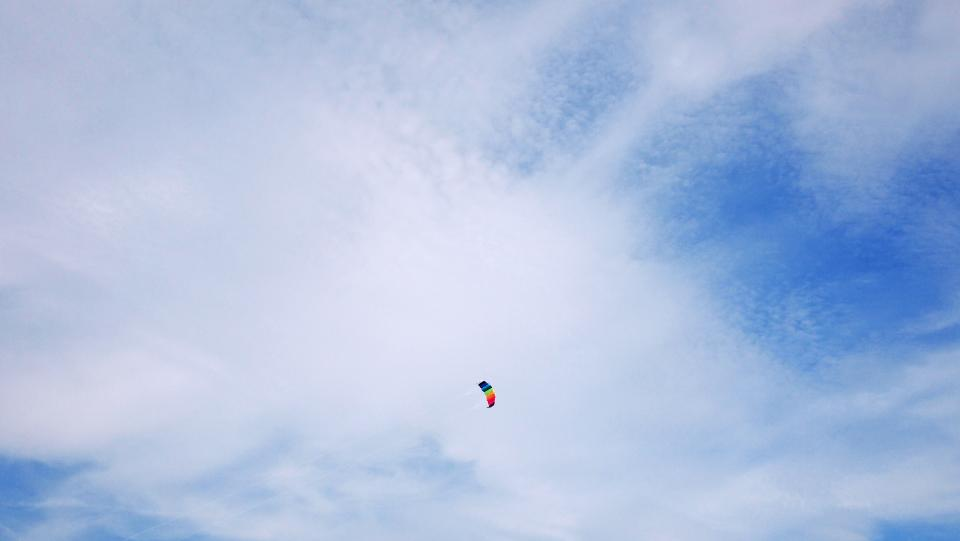 blue, sky, clouds, parachute, sunshine