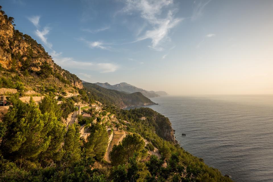 nature, mountain, landscape, clouds, sky, horizon, sea, water, summer, travel, hike, climb