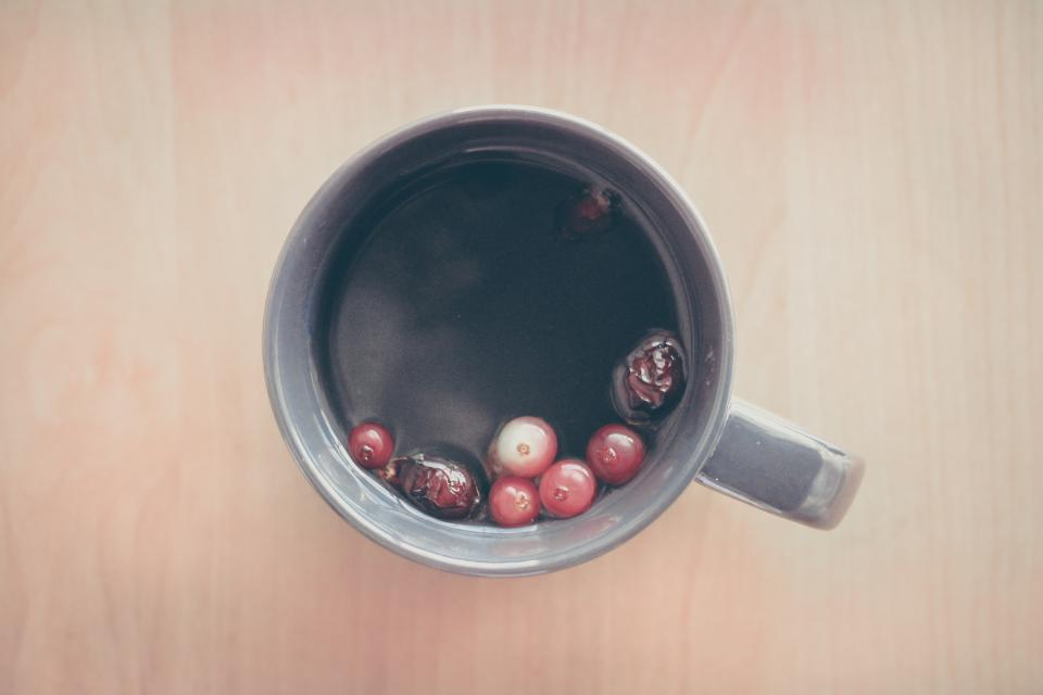 tea, berries, fruits, cup, mug, morning, breakfast, drink