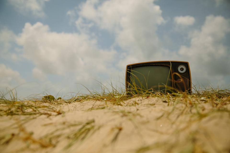 tv, television, vintage, oldschool, ground, sand, sky, clouds