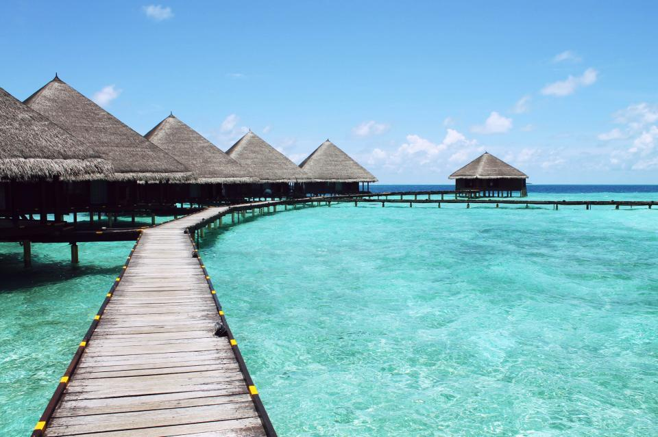 tiki huts, tropical, paradise, vacation, wood, docks, water, sea, ocean, sky