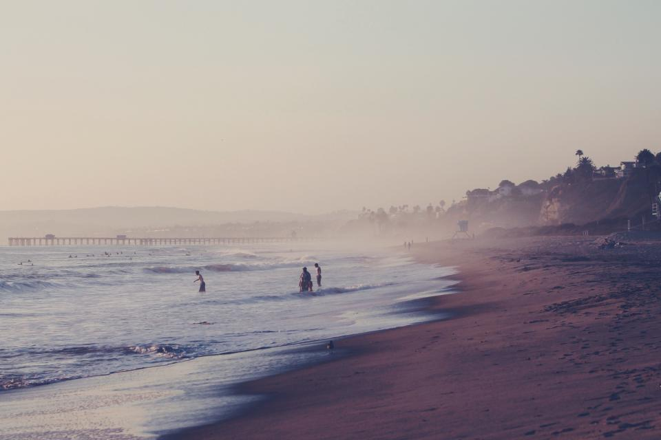 sky, pier, beach, sand, water, swiming, sunny, summer, footprints, trees, houses, ocean, sea