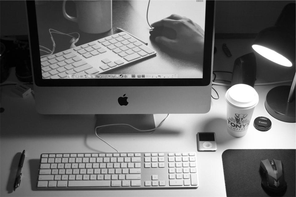 apple, mac, computer, desktop, monitor, keyboard, mouse, ipod, technology, pen, coffee, working, business, office, desk, lamp, black and white