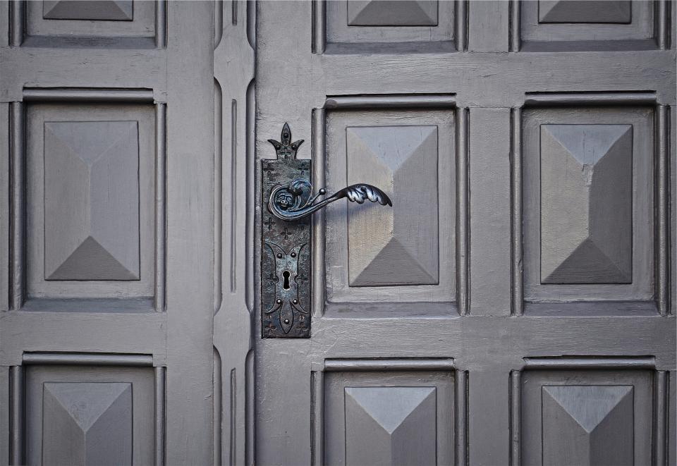 door, handle, keyhole