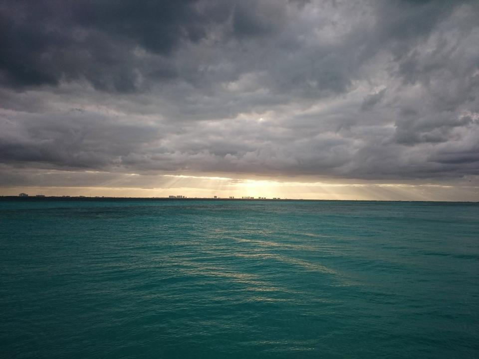 sunbeams, storm, clouds, cloudy, sky, grey, water, ocean, sea, landscape