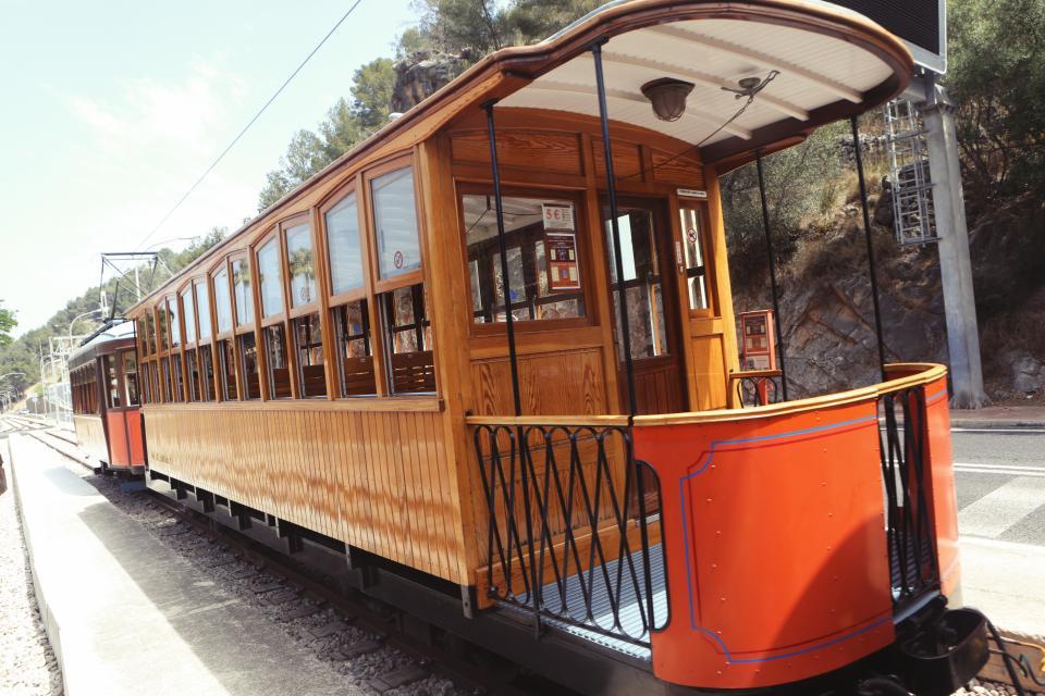 train, tracks, railroad, travel, transport, caboose, windows, wood