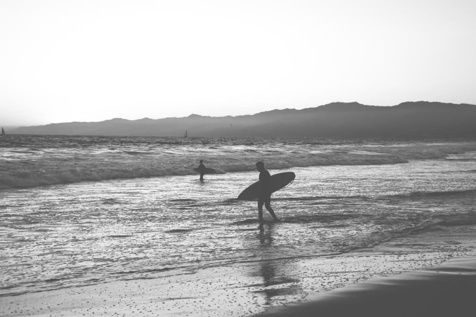 surfing, surfer, surfboard, beach, sand, water, waves, ocean, sea, black and white