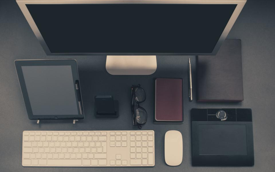 devices, peripherals, monitor, mac, ipad, keyboard, mouse, dock, glasses, pen, notebook, technology, business