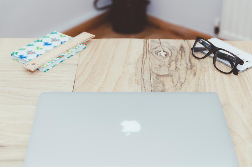 macbook, laptop, computer, technology, desk, office, business, creative, wood, eyeglasses, smartphone, mobile, ruler, notepad, notebook, objects