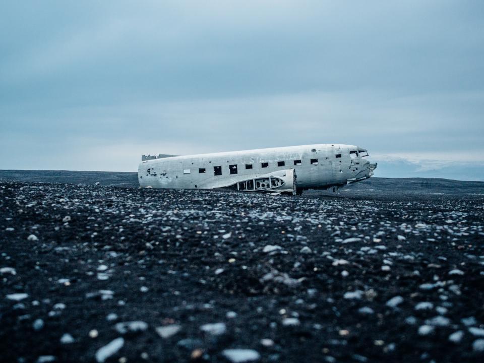airplane, crash, damage, sky, clouds, rocks, destroyed