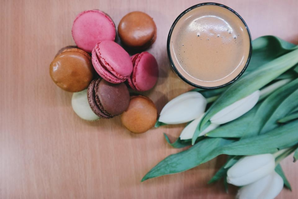 macaroons, coffee, dessert, food, tulips, flowers