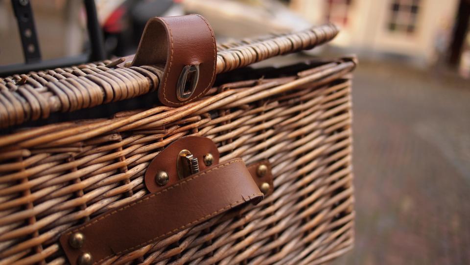 basket, rattan, lock