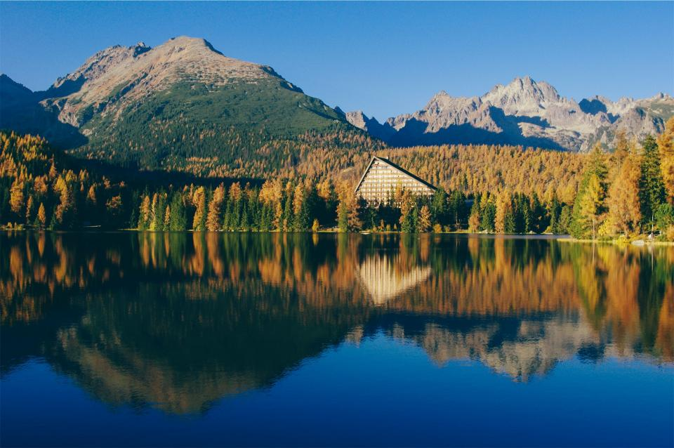 landscape, lake, water, reflection, trees, autumn, forest, woods, mountains, nature