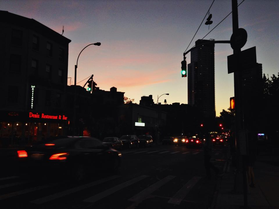 sunset, dawn, dark, city, road, streets, cars, traffic, lights, signs, buildings, sky