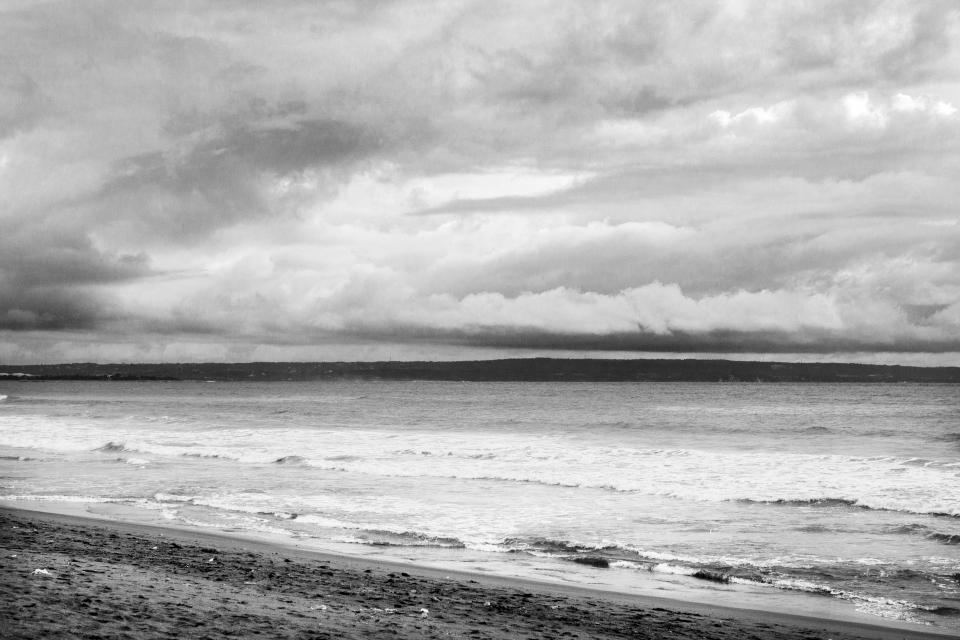 black, white, grey, sky, clouds, water, beach, waves, sand, water, sea, ocean