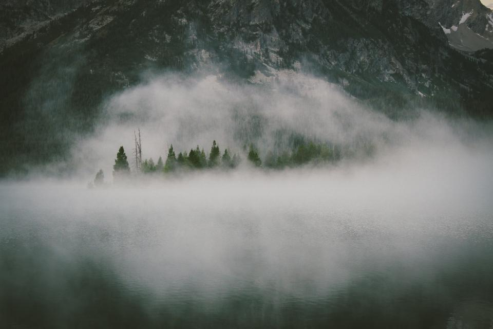 fog, haze, hazy, mountains, hills, peaks, cliffs, rocks, trees, water, mist