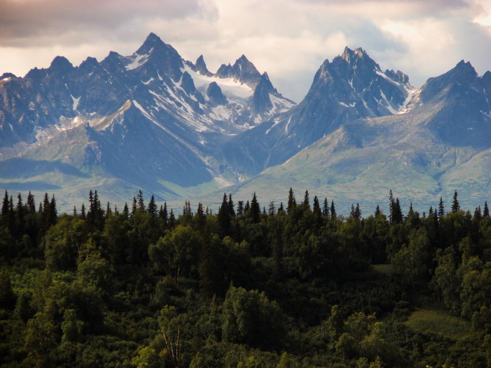 alaska, landscape, mountains, peaks, valleys, cliffs, snow, trees, woods, forest, nature, sky, clouds