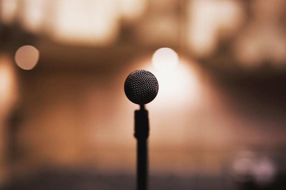 microphone, music, audio, podcast, musician, concert, stage, show, lights, blurry, bokeh