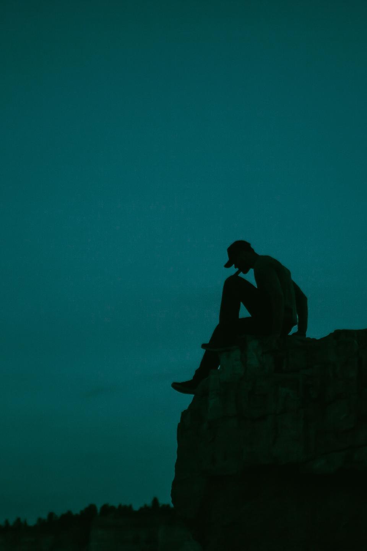 guy, man, silhouette, dark, night, evening, sky, cliff, people, nature, lifestyle