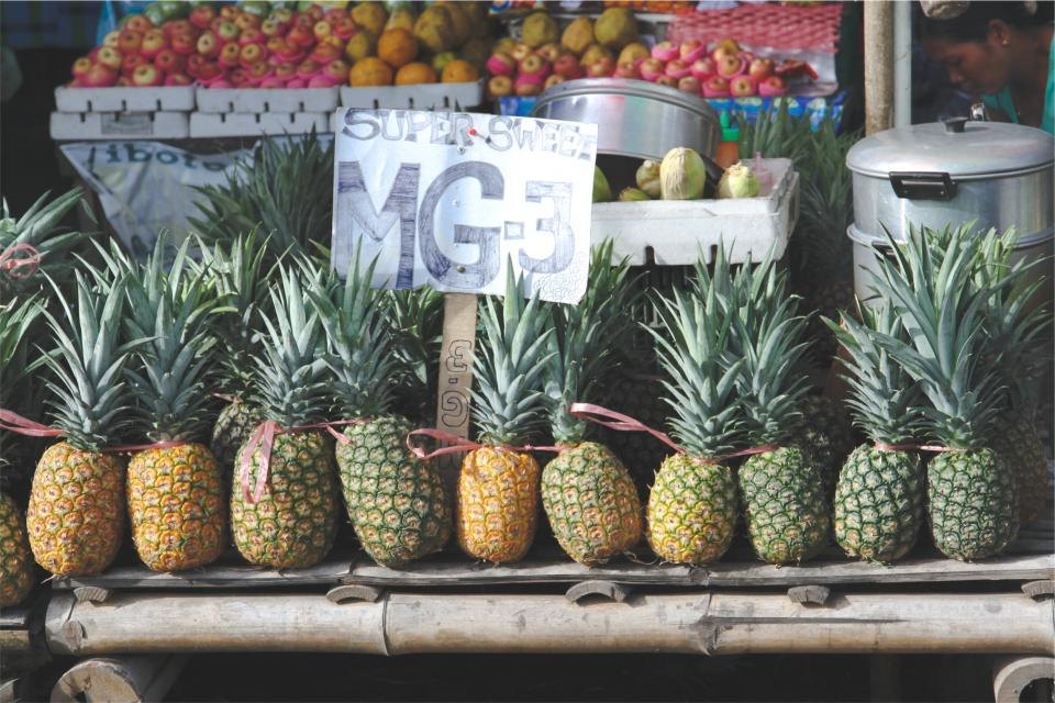 pineapples, fruits, market, fresh, healthy, food