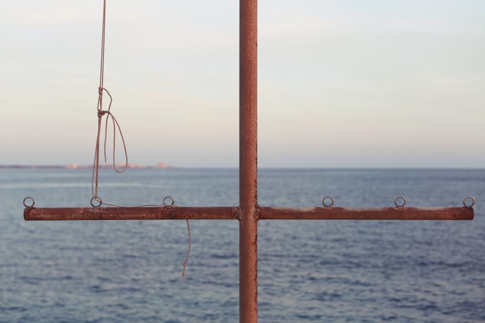 cross, pipe, sail, rope, water, sea