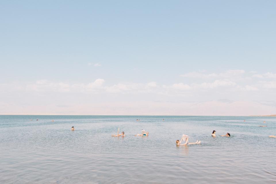 nature, water, ocean, sea, beach, men, women, people, swimming, ripples, splash, enjoy, sky, clouds, horizon, vacation