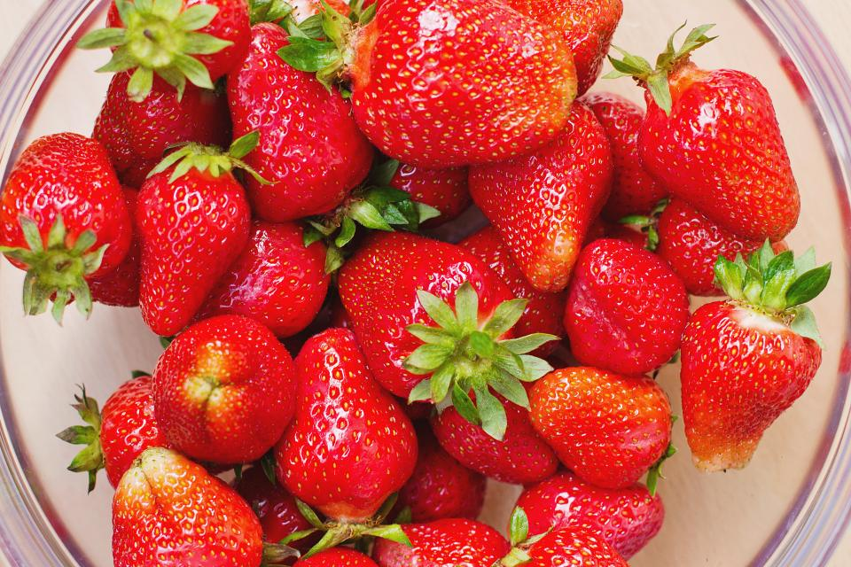 strawberries, strawberry, fruits, red, food, healthy, bowl