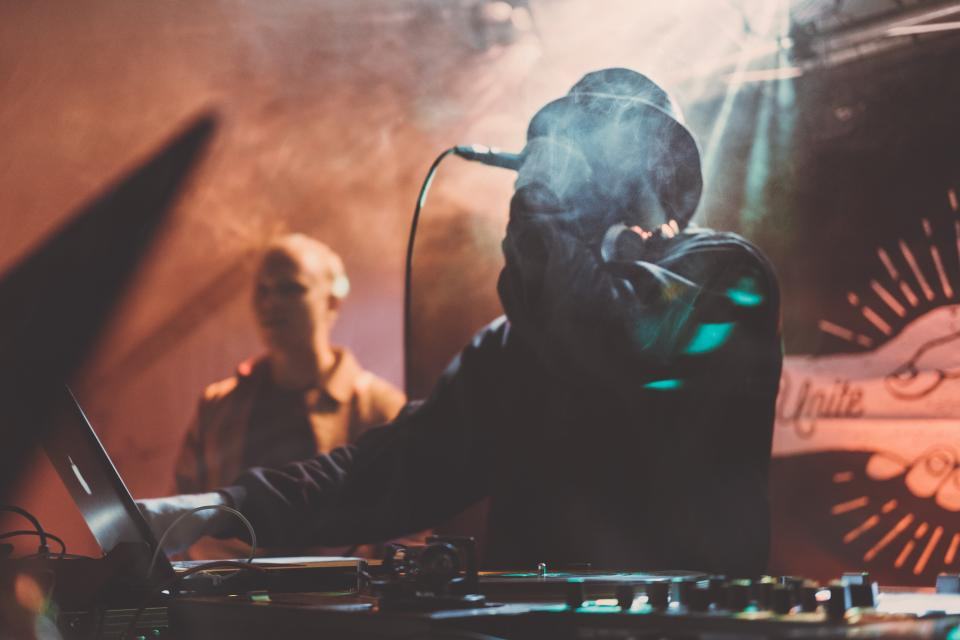 dj, music, party, laptop, night, dark, people, man, microphone, mixer, edm, remix