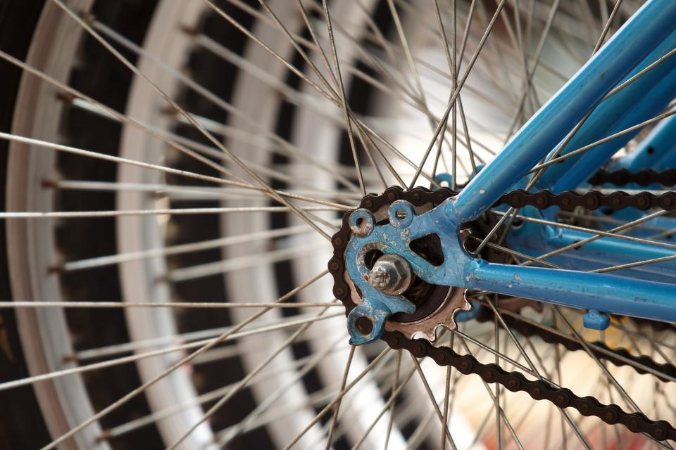 transportation, bicycle, wheels, cogs, gears, steel, lines, patterns
