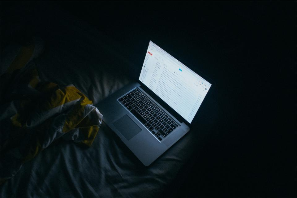 apple, macbook, laptop, technology, screen, gmail, email, dark, bed, sheets