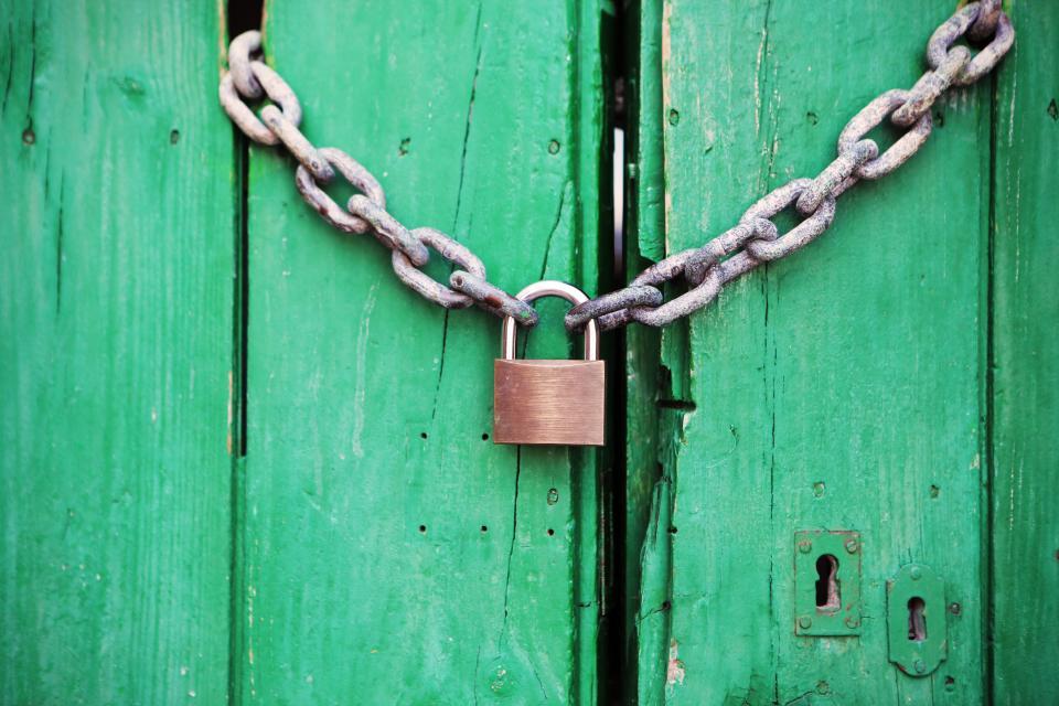 chain, links, padlock, wood, gate, keyhole