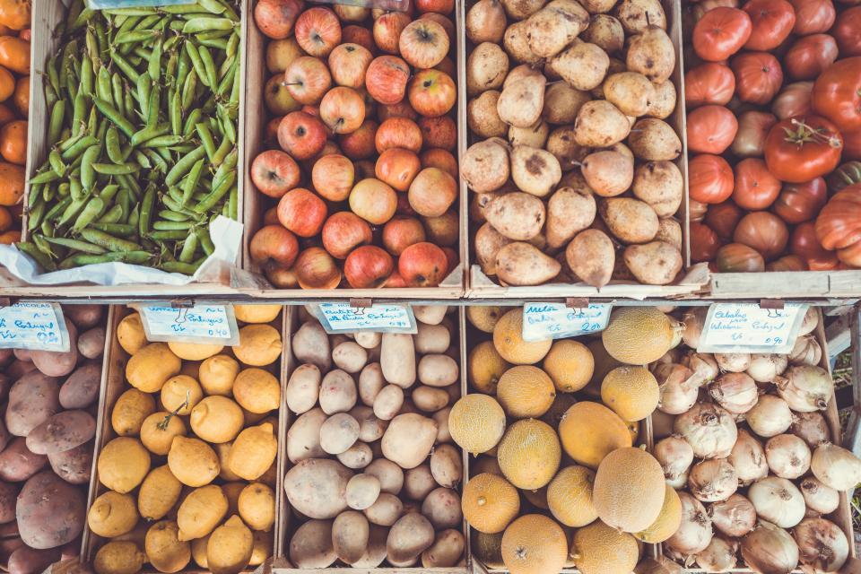 food, fruits, vegetables, farm, fresh, market, grocery, beans, apples, potatoes, yams, lemons, onions, tomatoes, turnips