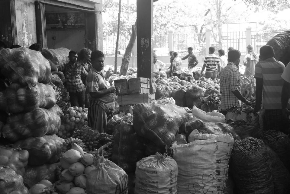 market, fruits, vegetables, food, people, men, man, indians, black and white