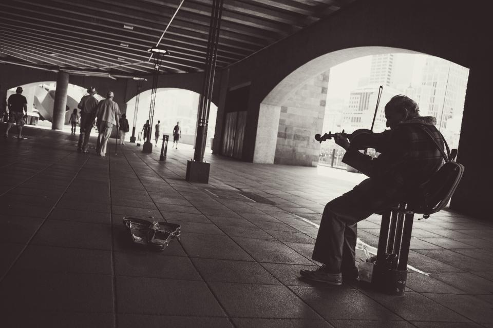street performer, musician, violin, instrument, music, city, lifestyle, old, man, people, pedestrians, walking, arches