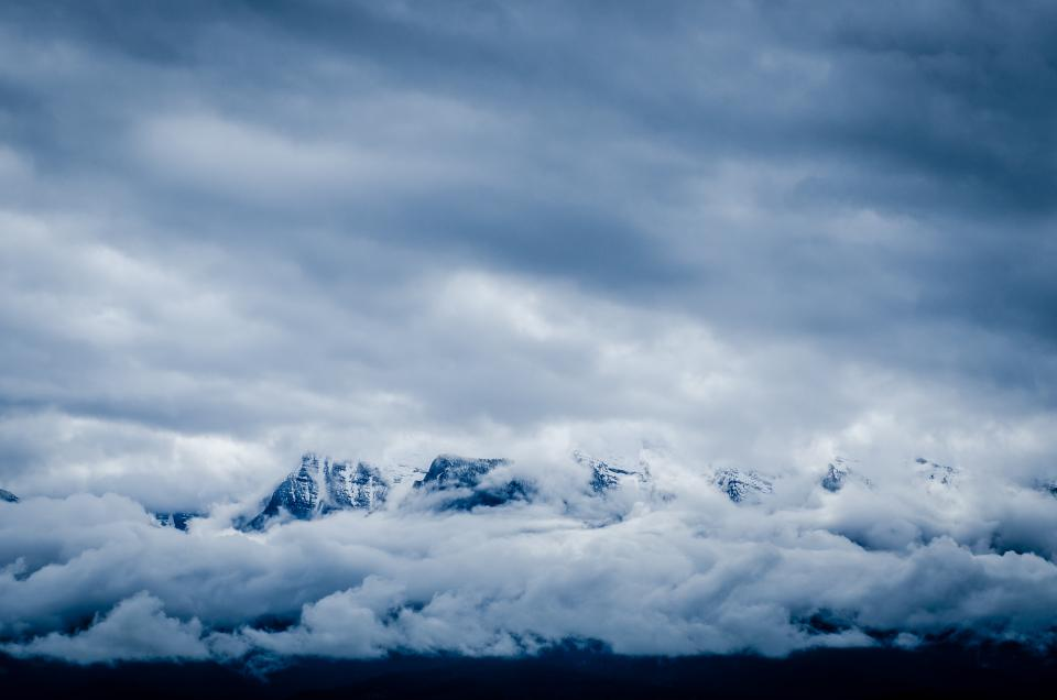 nature, landscape, mountains, summit, peaks, snow, sky, clouds, blanket, blue, white, majestic