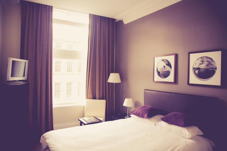 hotel room, bed, pillows, frames, decor, furniture, curtains, laps, window, tv, television