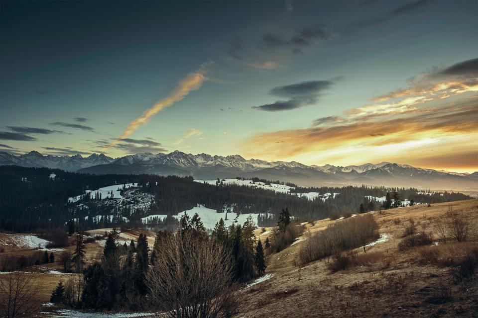mountains, cliffs, hills, peaks, sunset, sky, clouds, fields, valleys, snow, trees, bushes, cold, outdoors, nature
