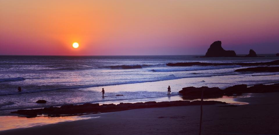 nature, coast, beach, shore, water, ocean, sea, waves, ripples, sand, rocks, sky, horizon, sunset, sunrise, dusk, dawn, blue, violet