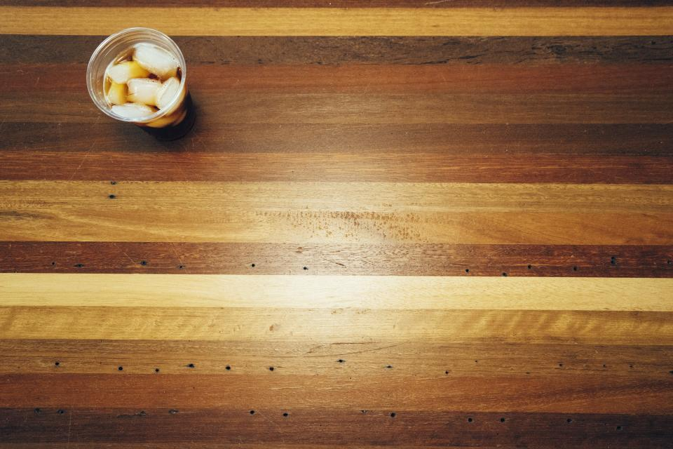 wood, table, plastic, cup, ice, drink, beverage