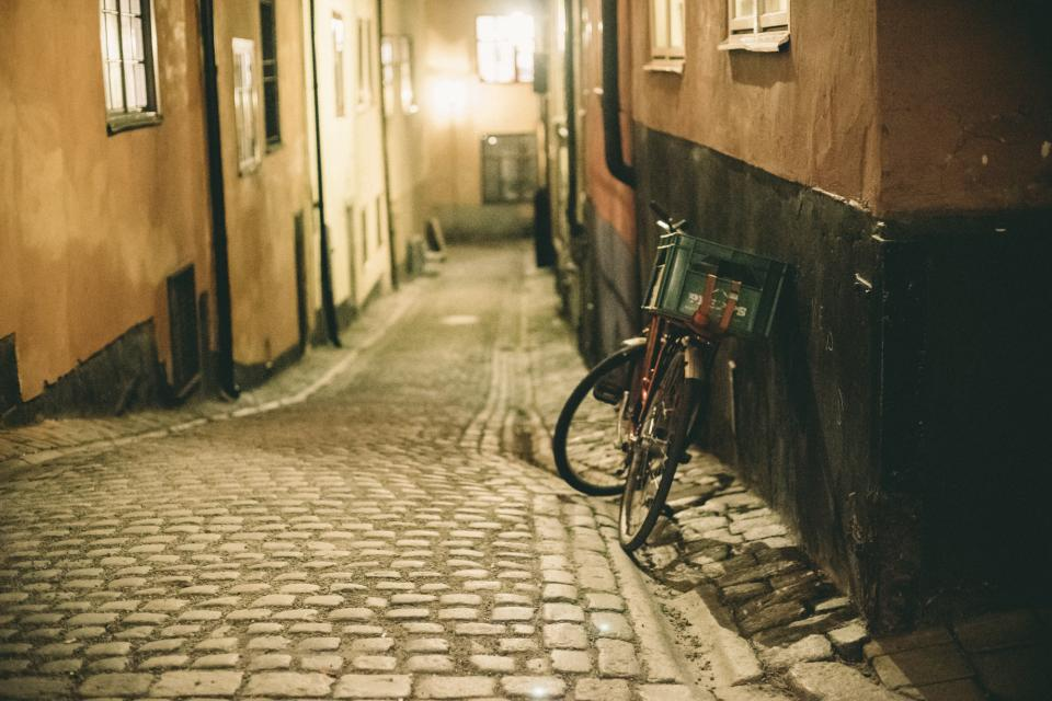 cobblestone, bike, bicycle, street, crate, city, sidewalk
