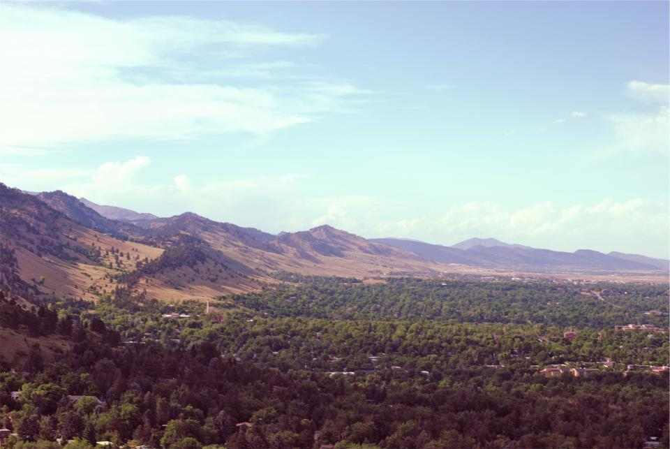 Boulder, Colorado, landscape, mountains, fields, hills, trees, houses, city, town, blue, sky, sunny