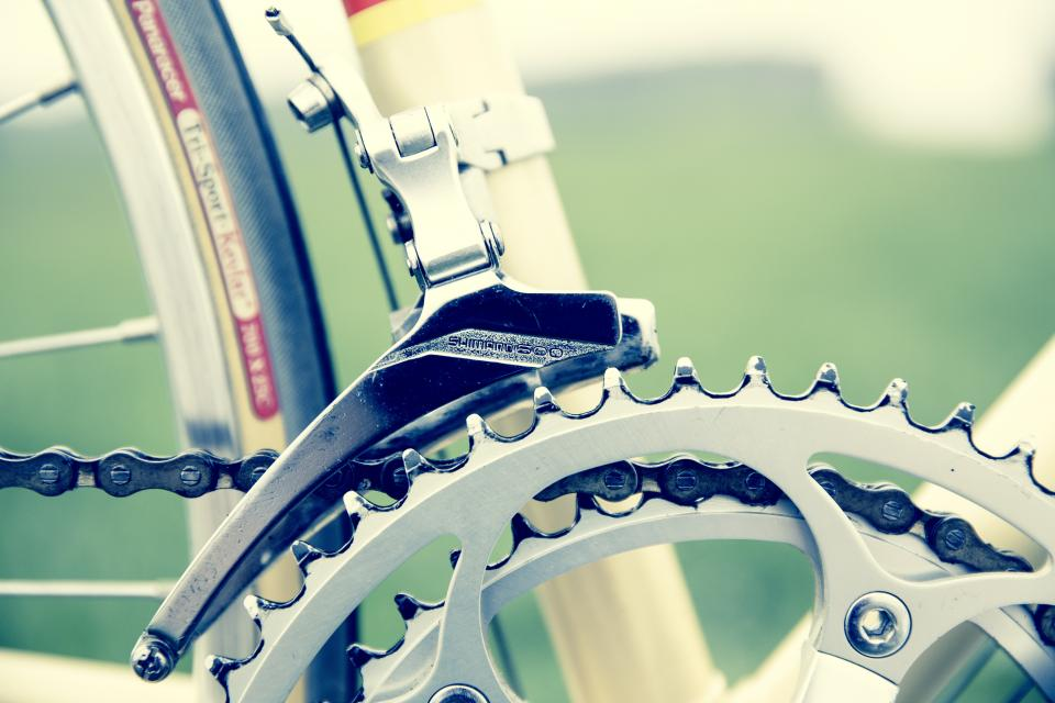 technology, transportation, bicycle, wheels, crown, gears, steel, patterns, bokeh, still