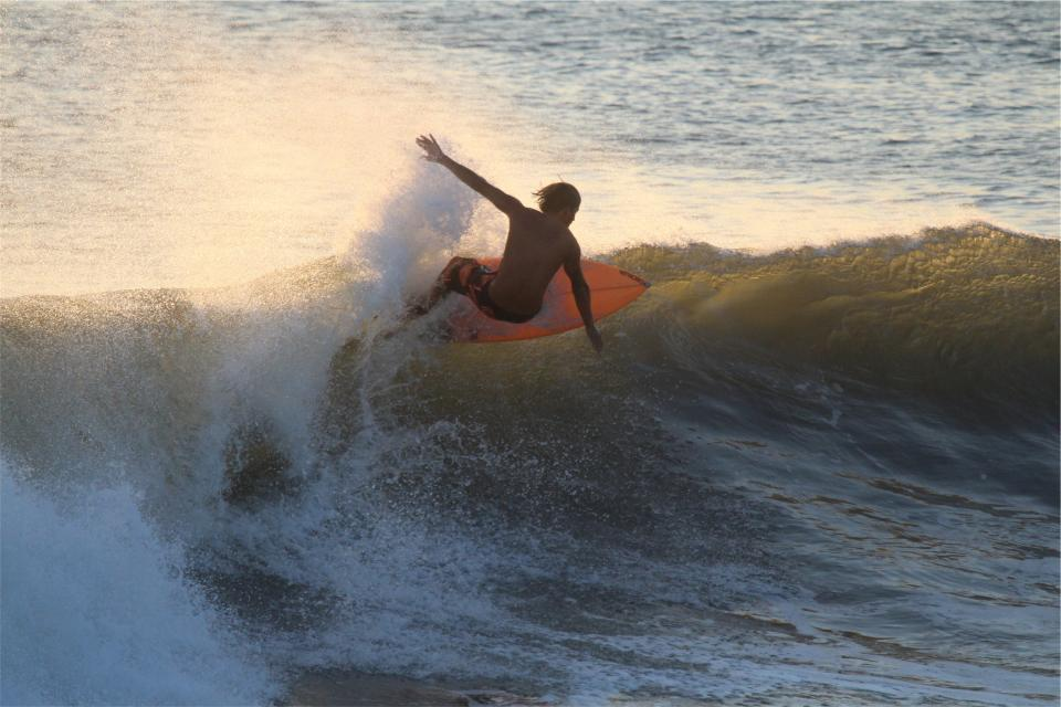 surfer, surfing, waves, surfboard, ocean, sea, water, splash, sports